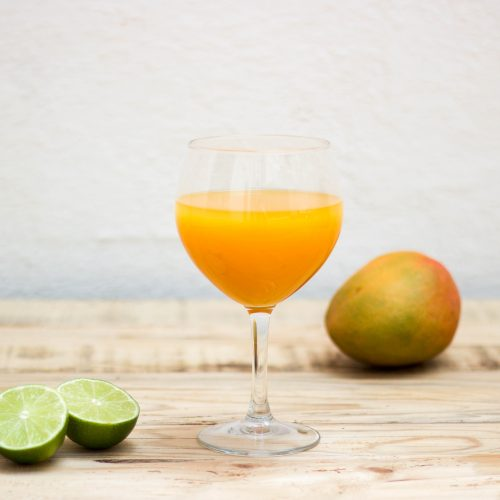 cocktail mango mezcal